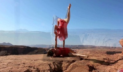 "acrobatic  show ""Drеам"" .Grand canyon"