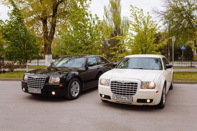Аренда автомобиля Chrysler 300С